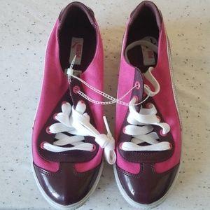 Pink Puma sneaker size 7.5